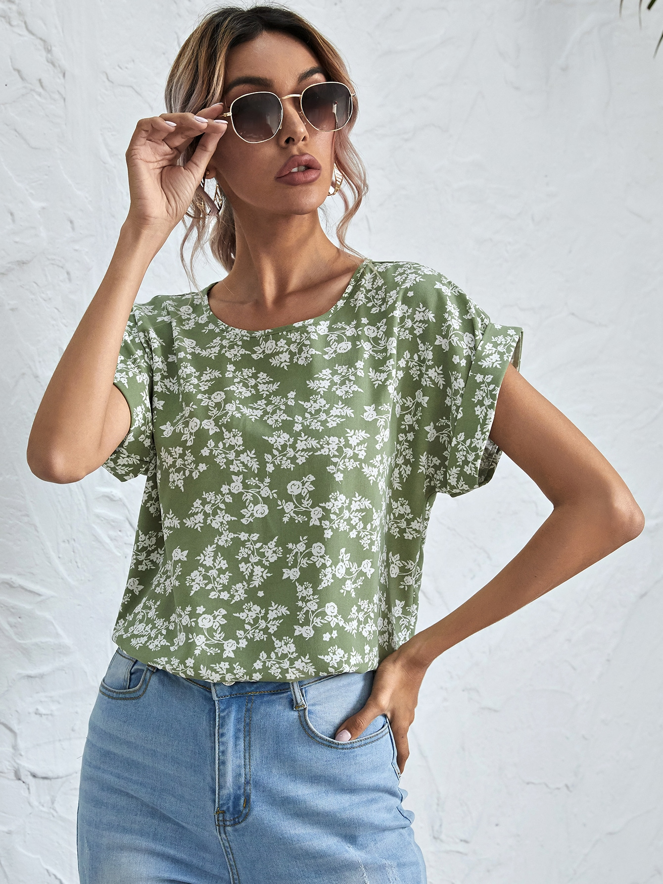 Rolled Cuff Ditsy Floral Top thumbnail