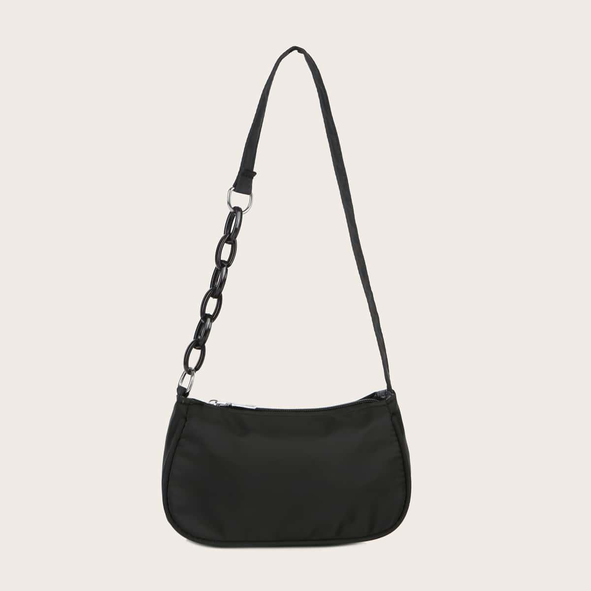 Minimalistische Nylon Baguette Tasche