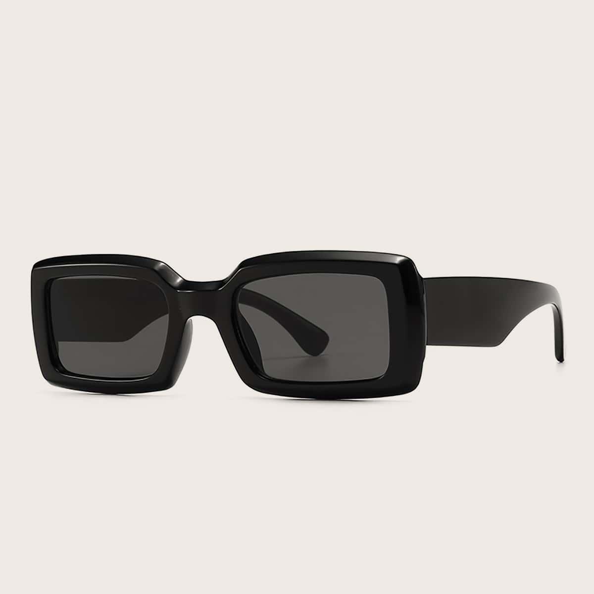 Солнцезащитные очки в квадратной оправе