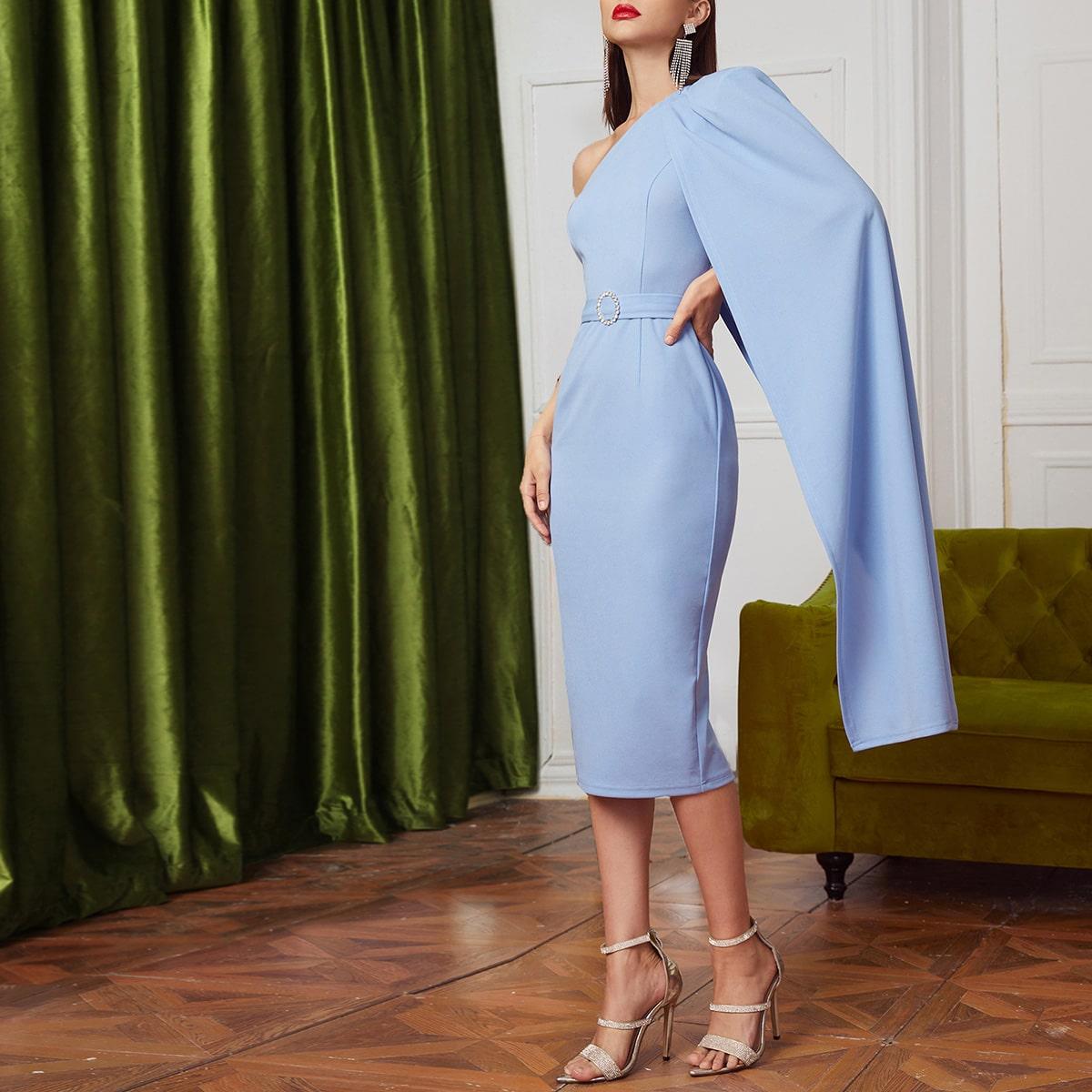 Платье на одно плечо с поясом