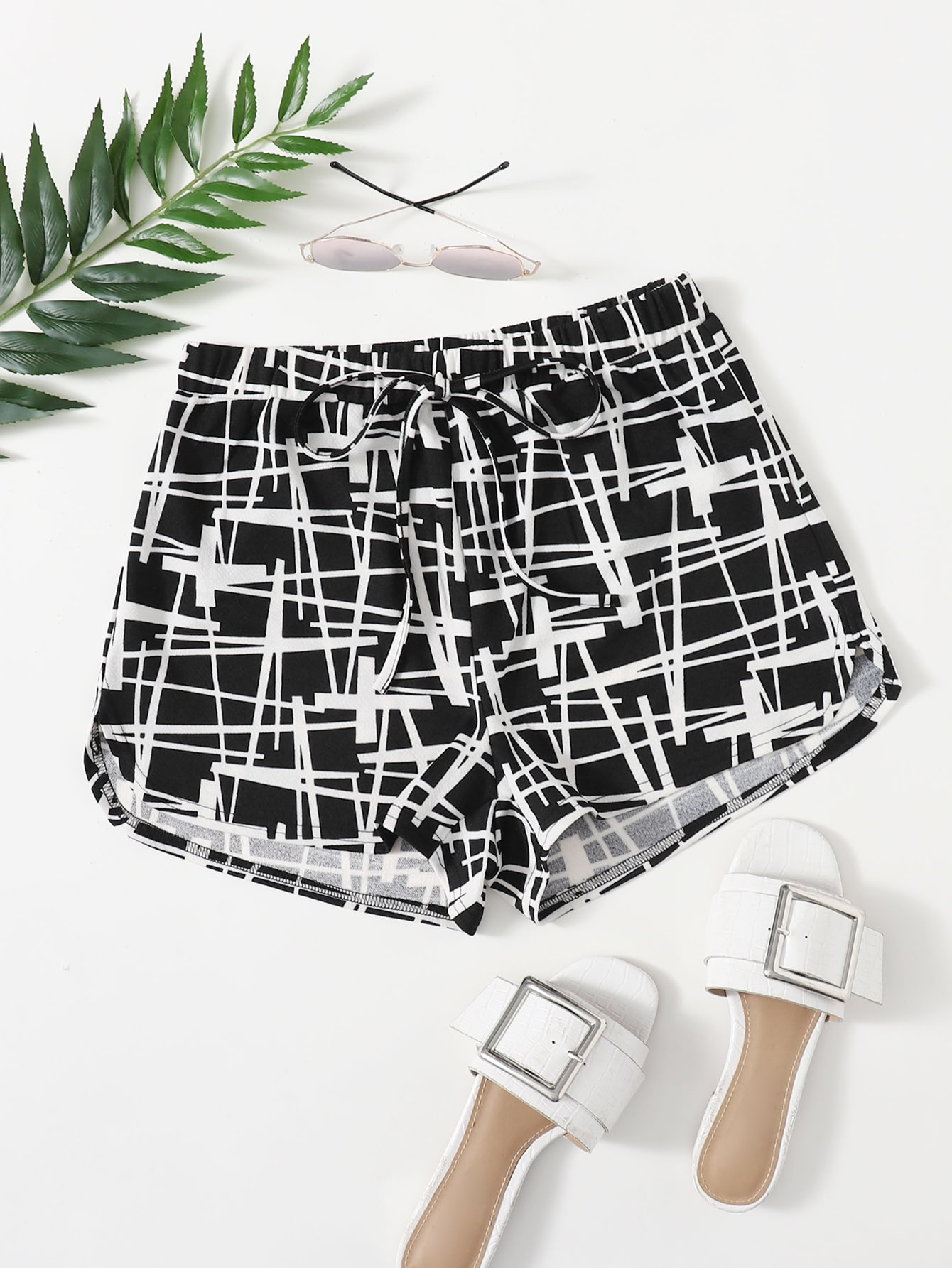 Tie Front Graphic Shorts thumbnail