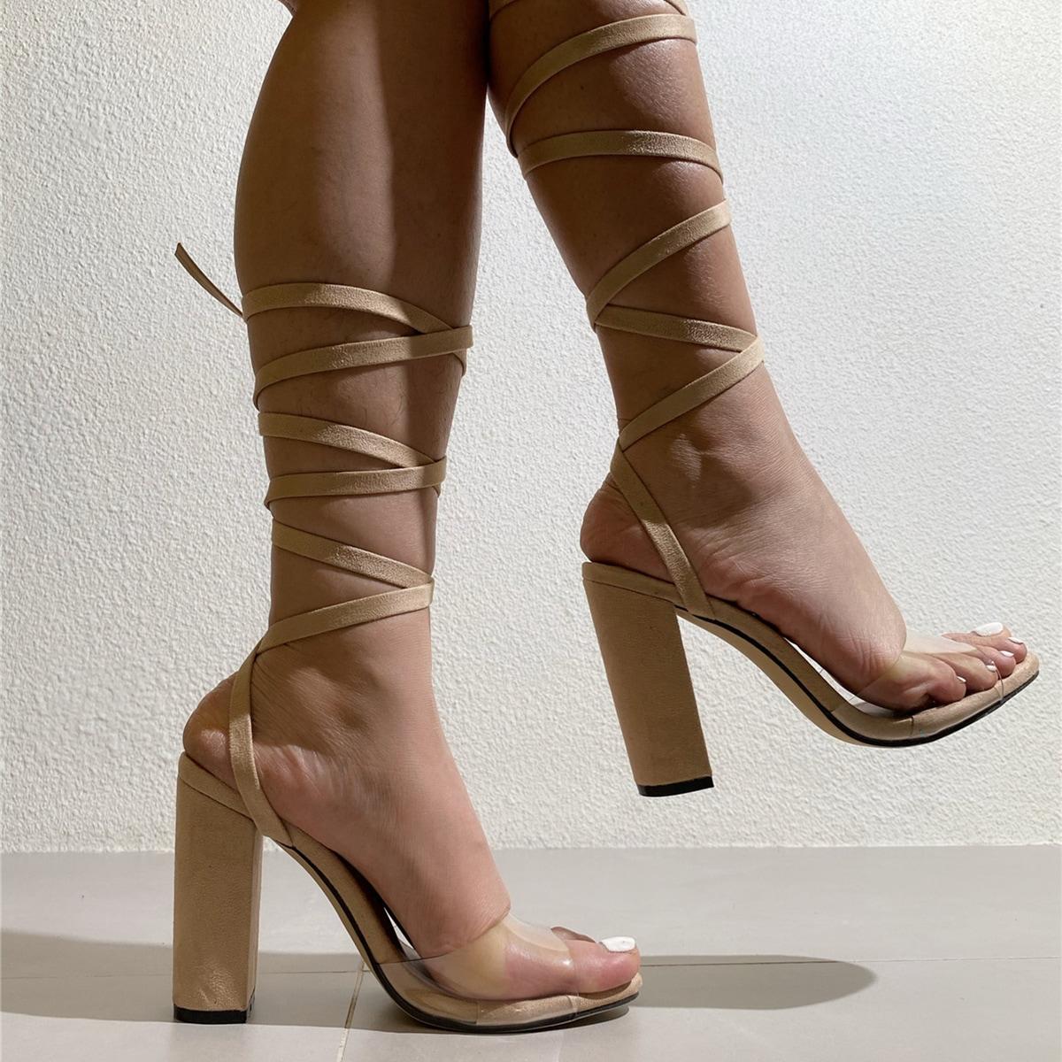 Прозрачные сандалии на массивном каблуке