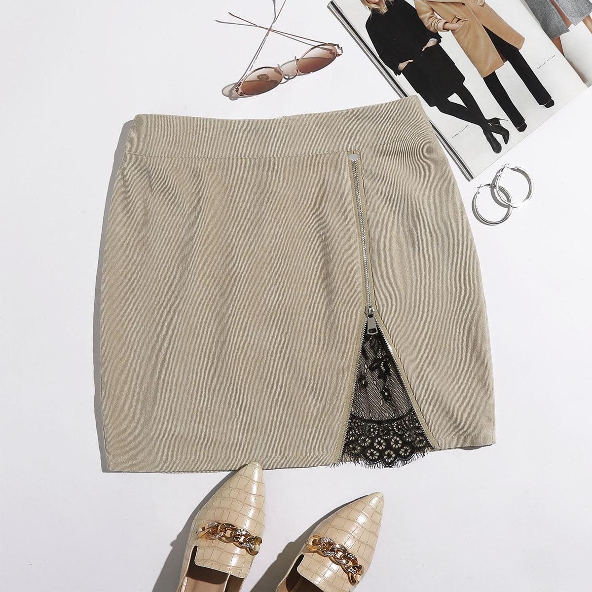 Вельветовая юбка с молнией и кружевной отделкой