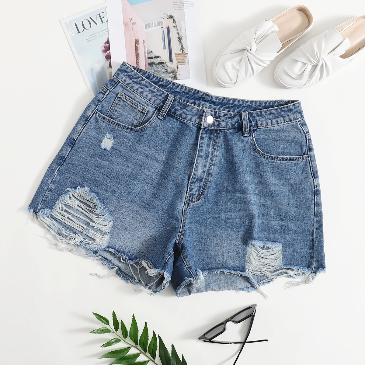 Рваные джинсовые шорты размера плюс