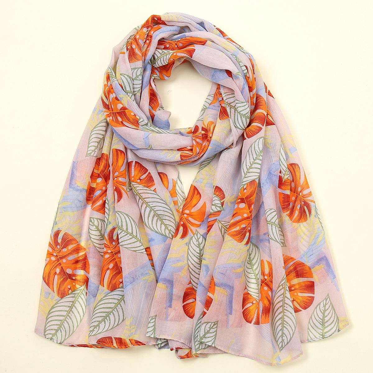 Pañuelo con patrón tropical