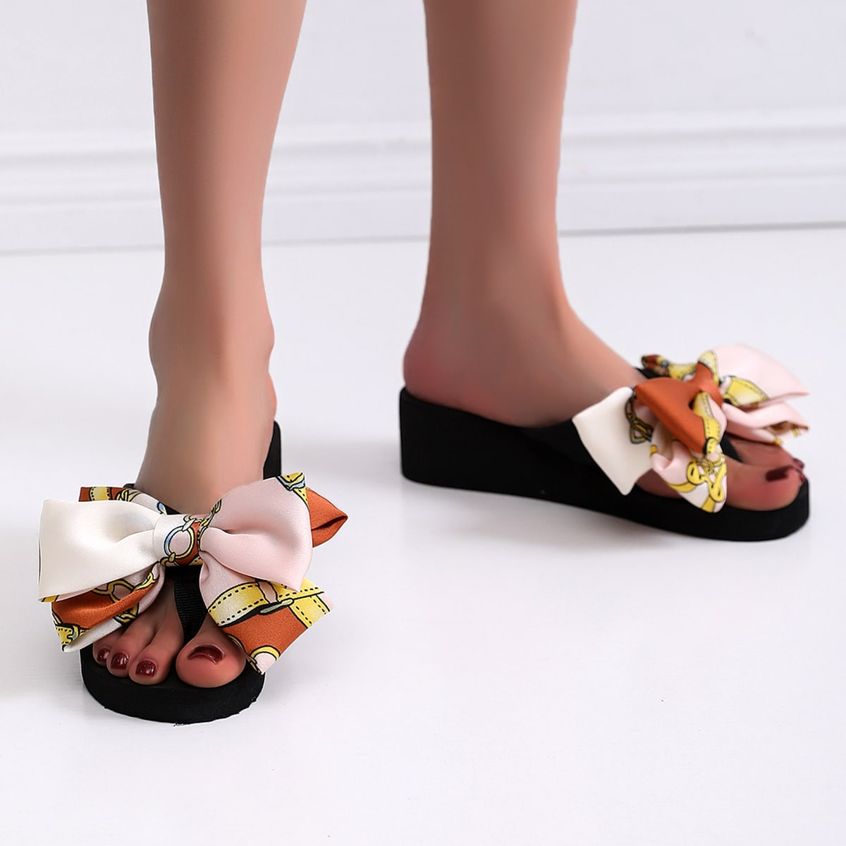 с бантом принтом цепи Модный Тапочки & Вьетнамки SheIn swshoes18201231150