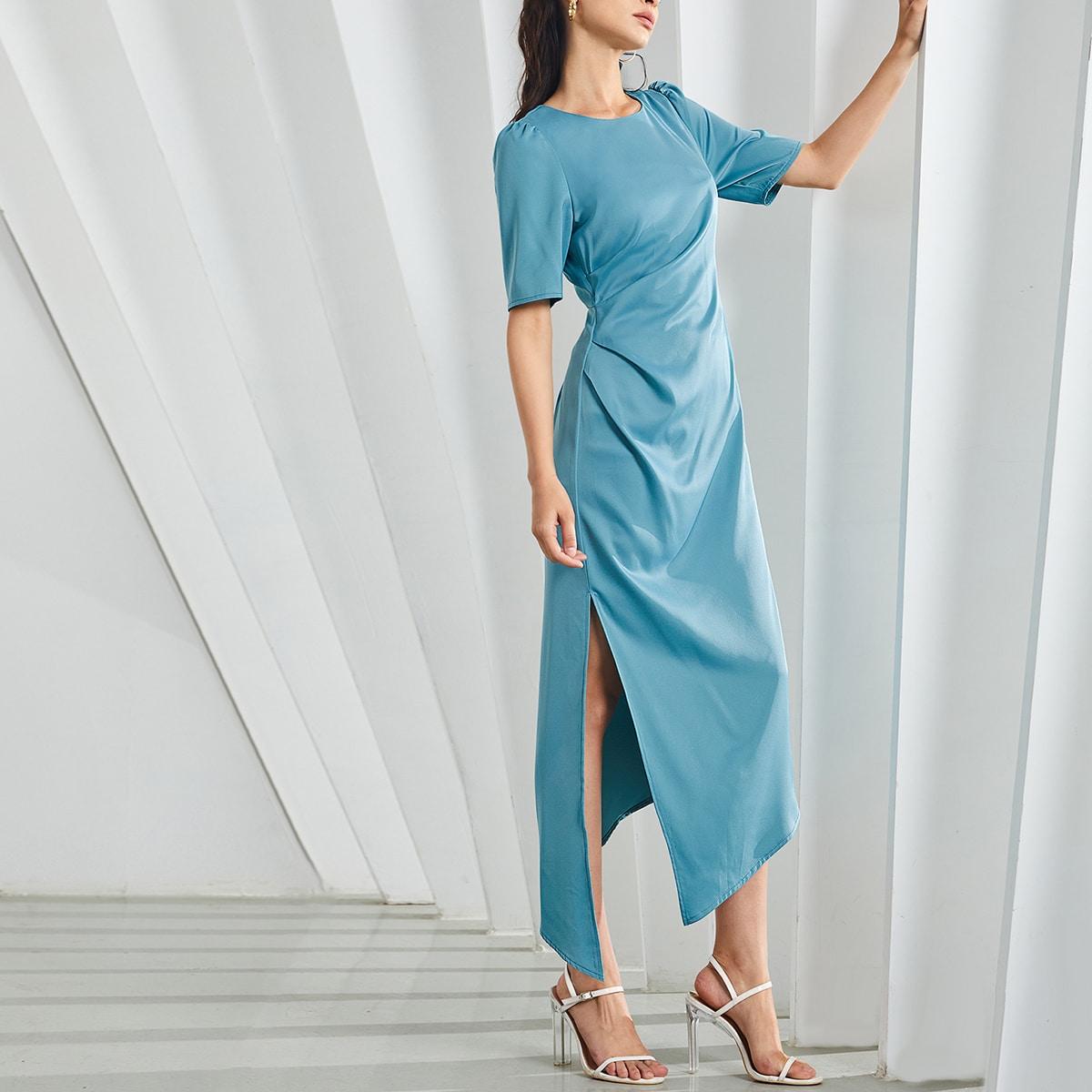 Асимметричное платье с пышным рукавом