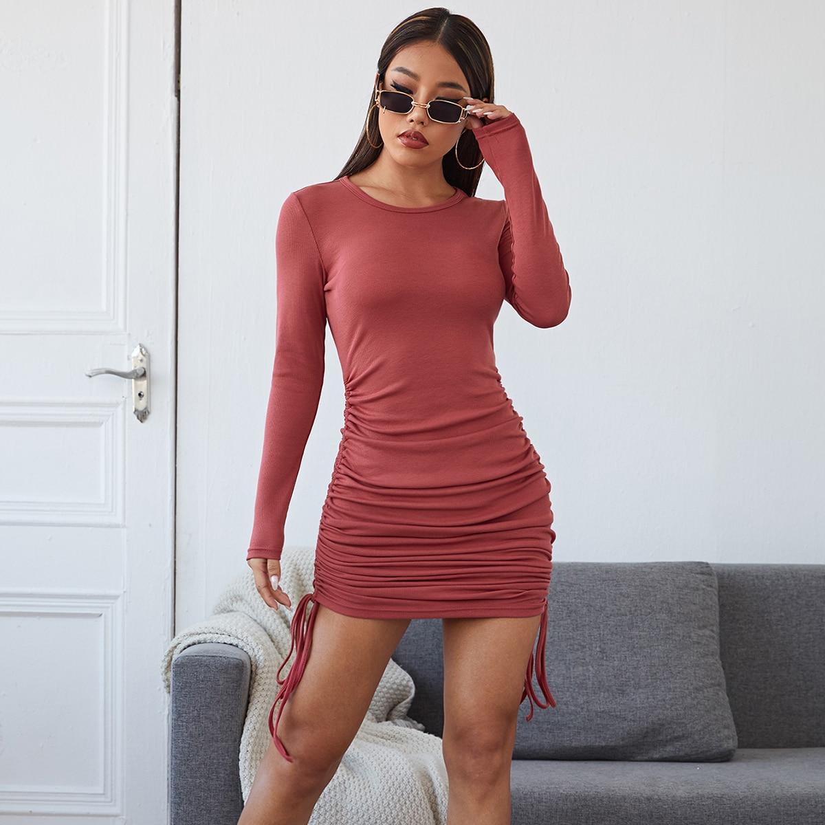 Облегающее платье на кулиске
