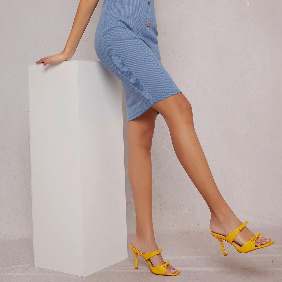 Кожаные туфли с квадратным носком на высоком каблуке от SHEIN