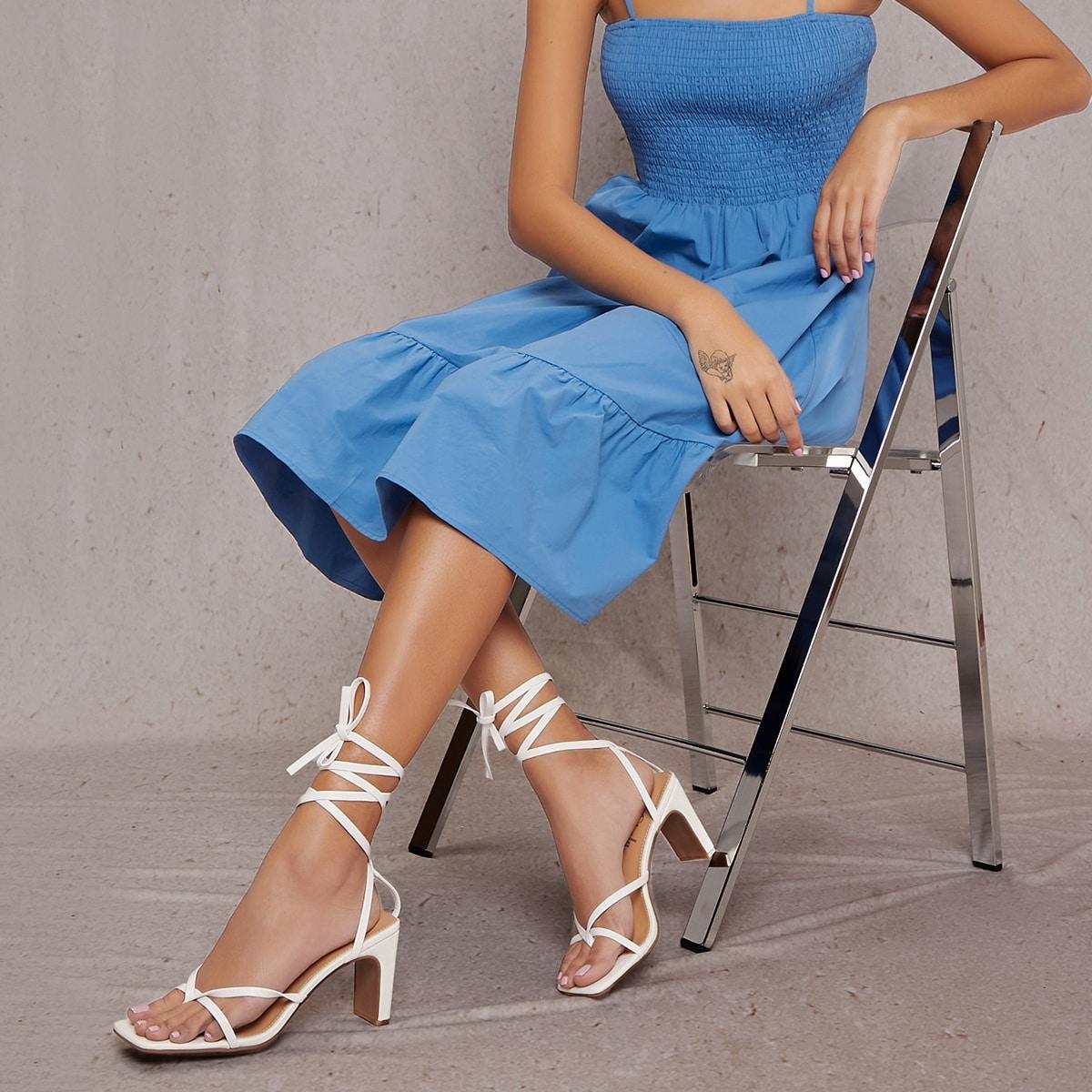 Кожаные туфли на блочном каблуке с открытым носком от SHEIN