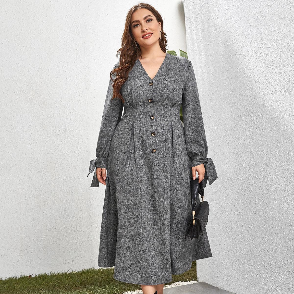 Платье размера плюс с v-образным вырезом