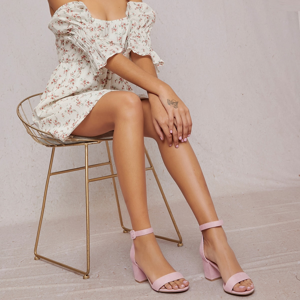Салдилли на высоких каблуках с шнурками и открытыми пальцев ноги от SHEIN