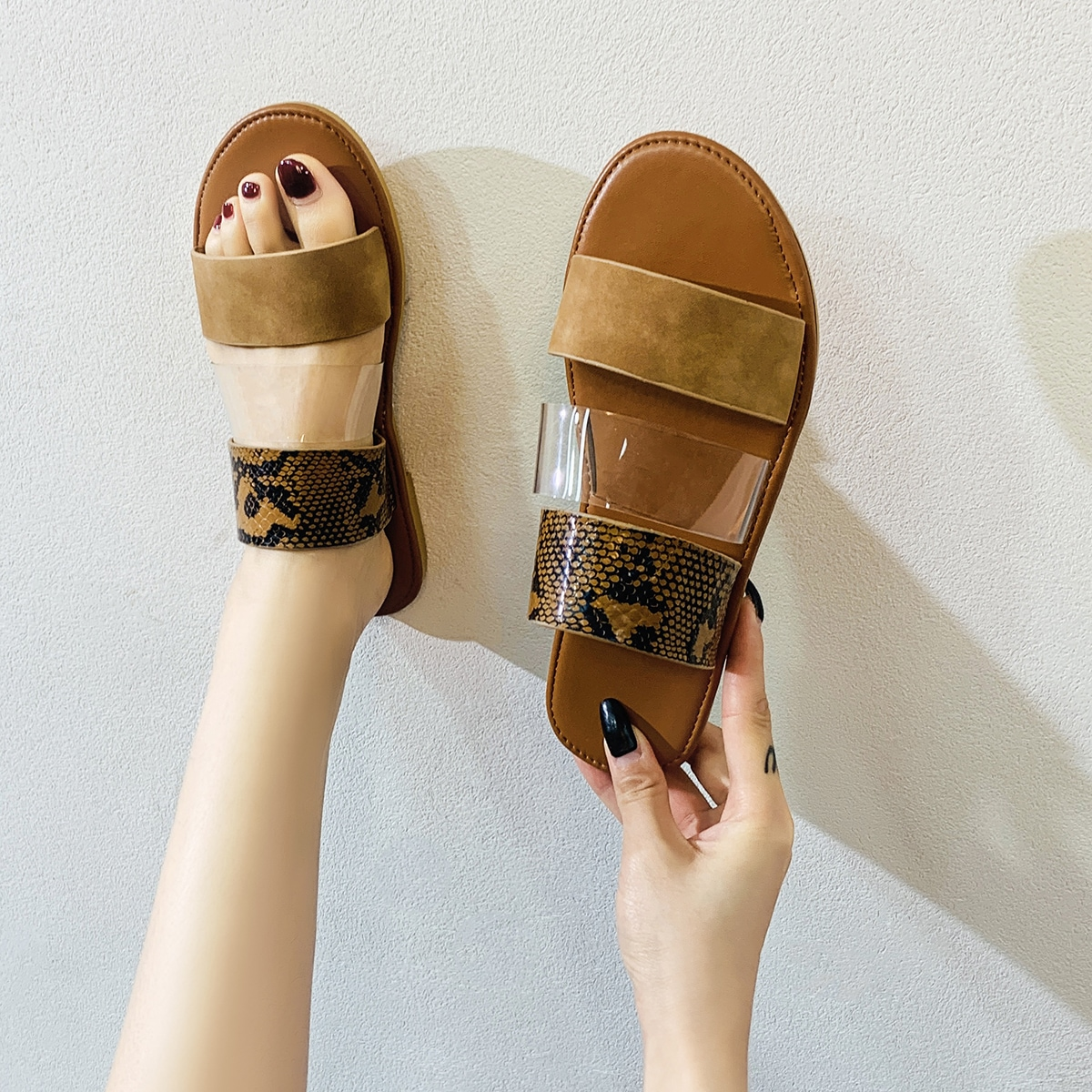 shein Duidelijk detail slangenhuid slide sandalen