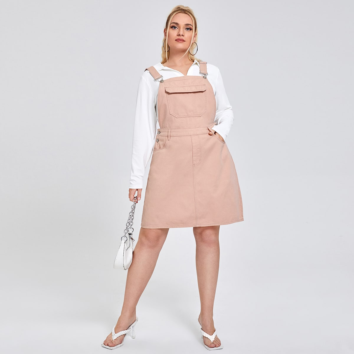 Джинсовое платье размера плюс с карманом
