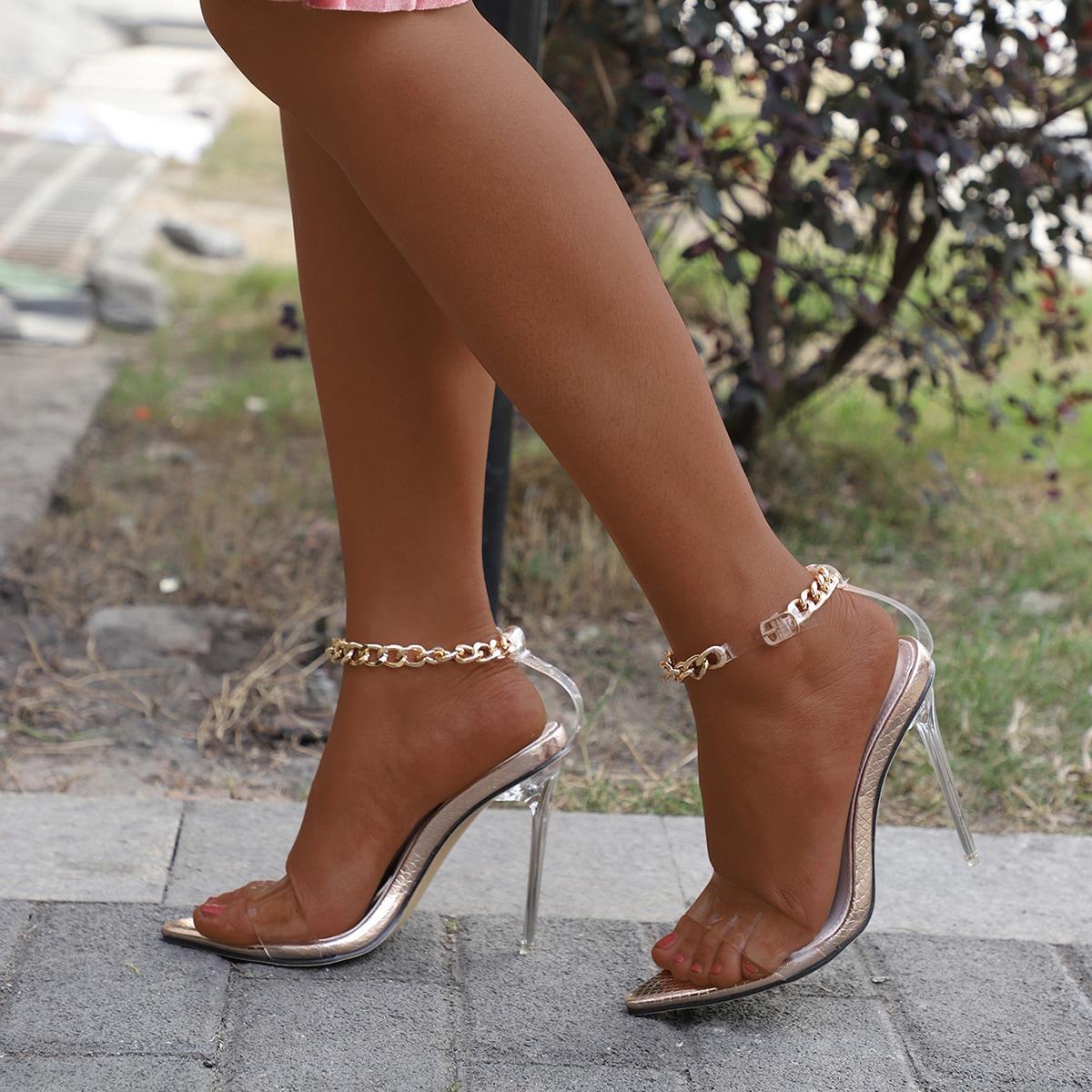 Прозрачные сандалии на шпильках с цепочкой