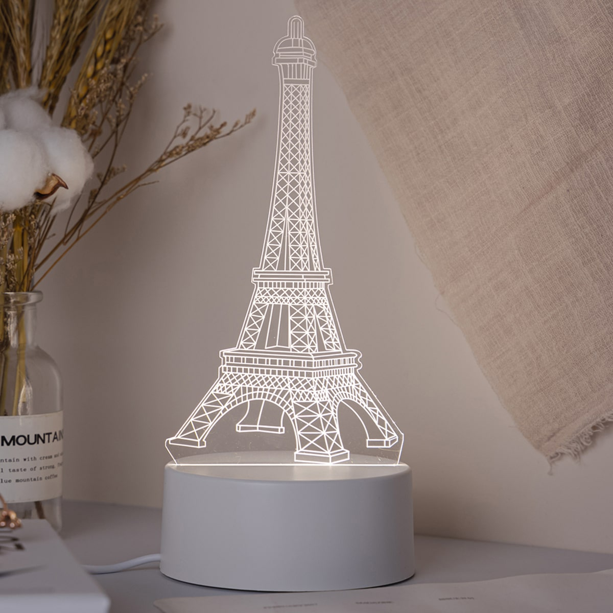 1 Stück 3 Farben veränderbares 3D-Nachtlicht mit Eiffel Turm Design
