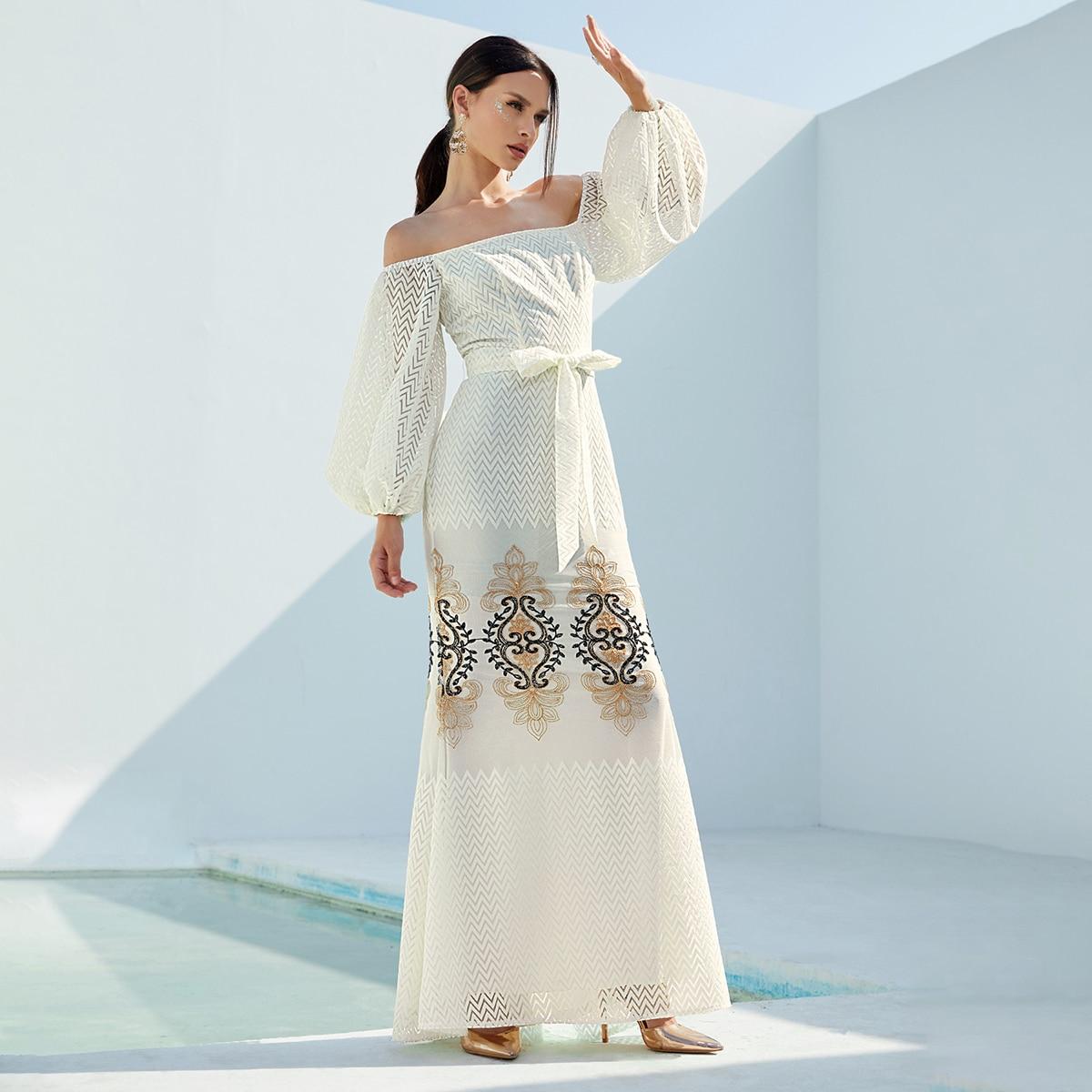Сетчатое платье с открытыми плечами, цветочным принтом и поясом