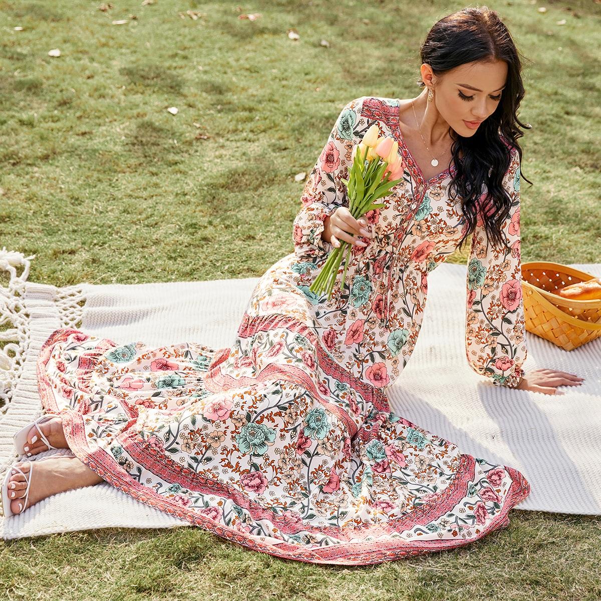 Расклешенное платье на кулиске с цветочным принтом