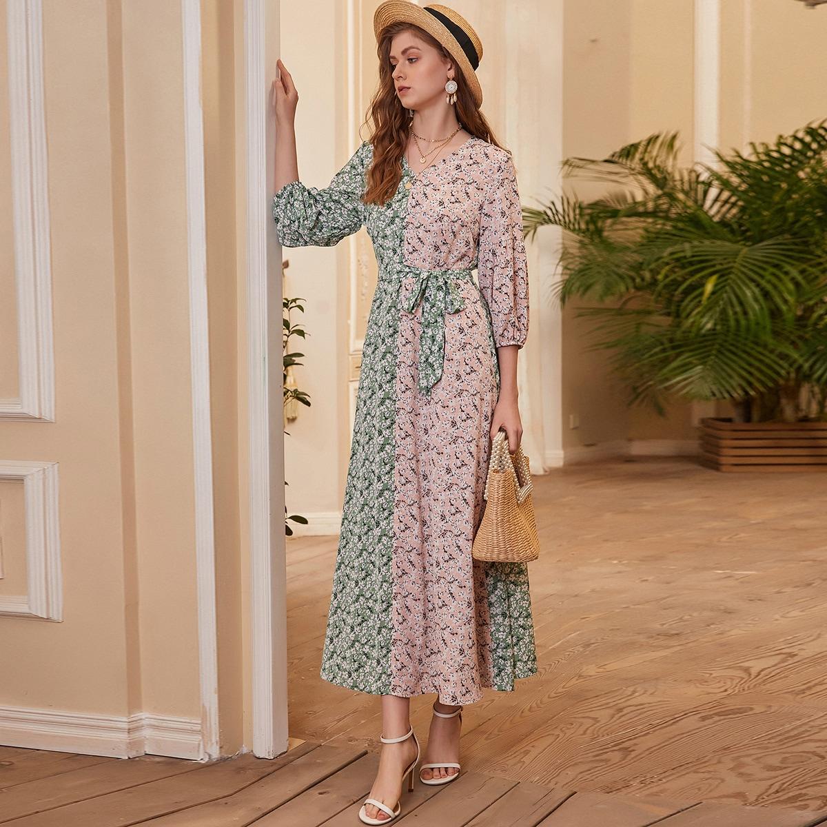 Контрастное платье с v-образным воротником и цветочным принтом