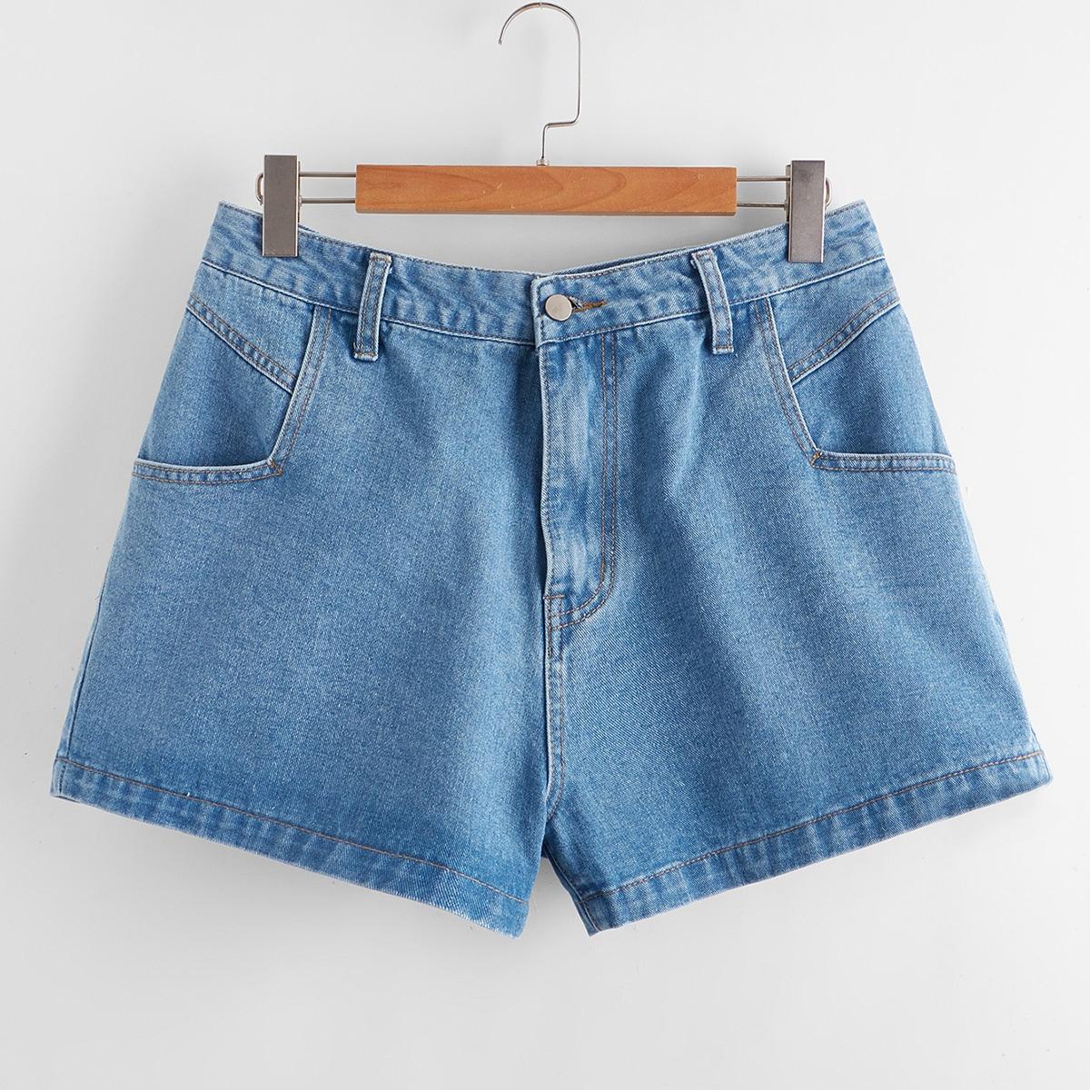Прямые джинсовые шорты размера плюс