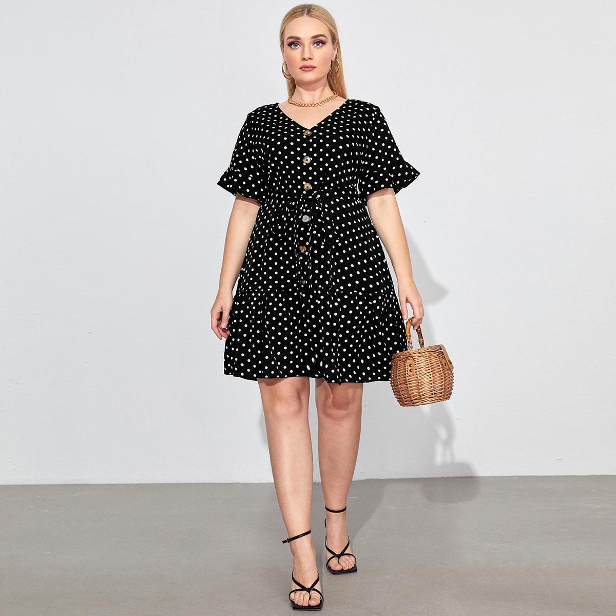 Платье в горошек с v-образным вырезом и поясом размера плюс