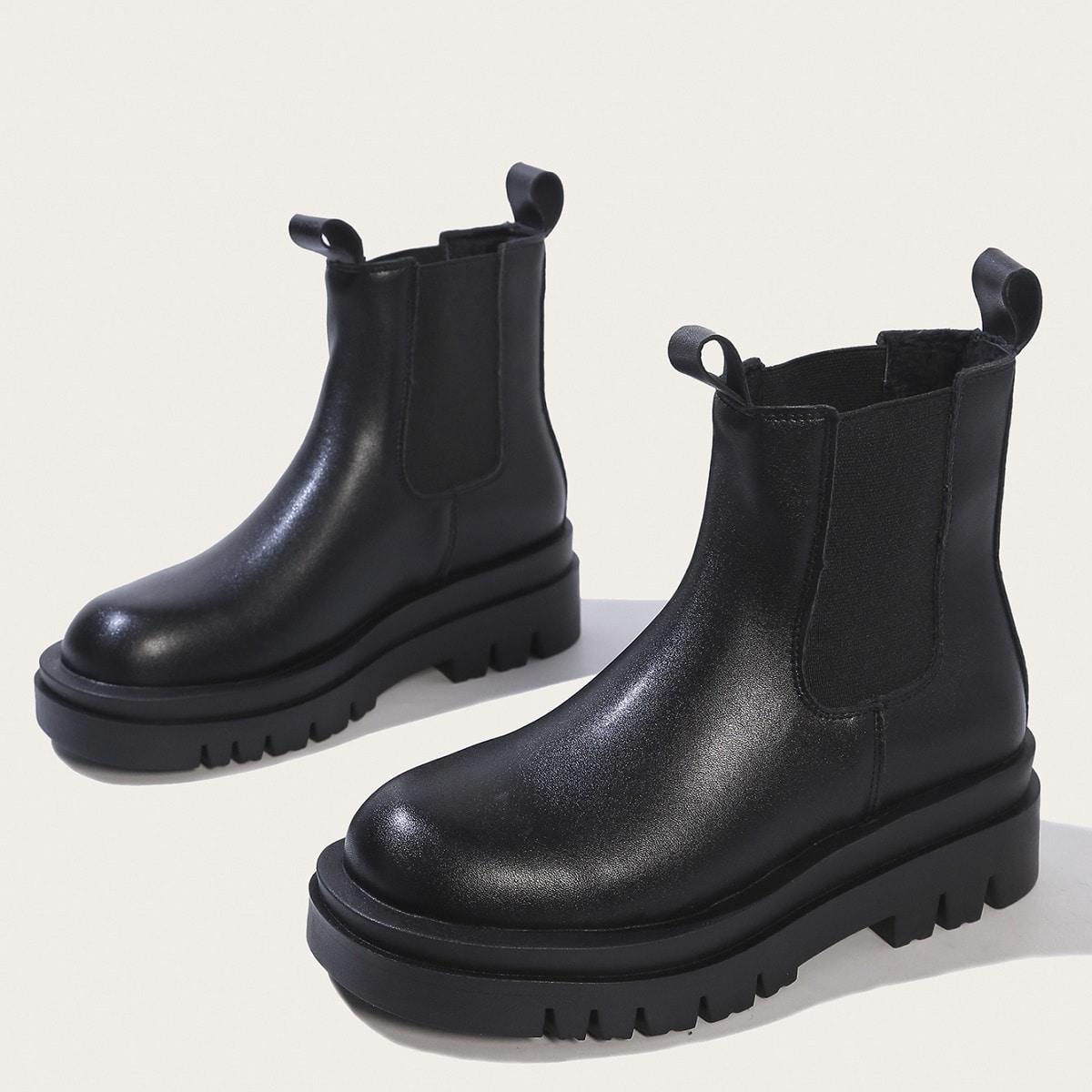 Минималистичные ботинки челси