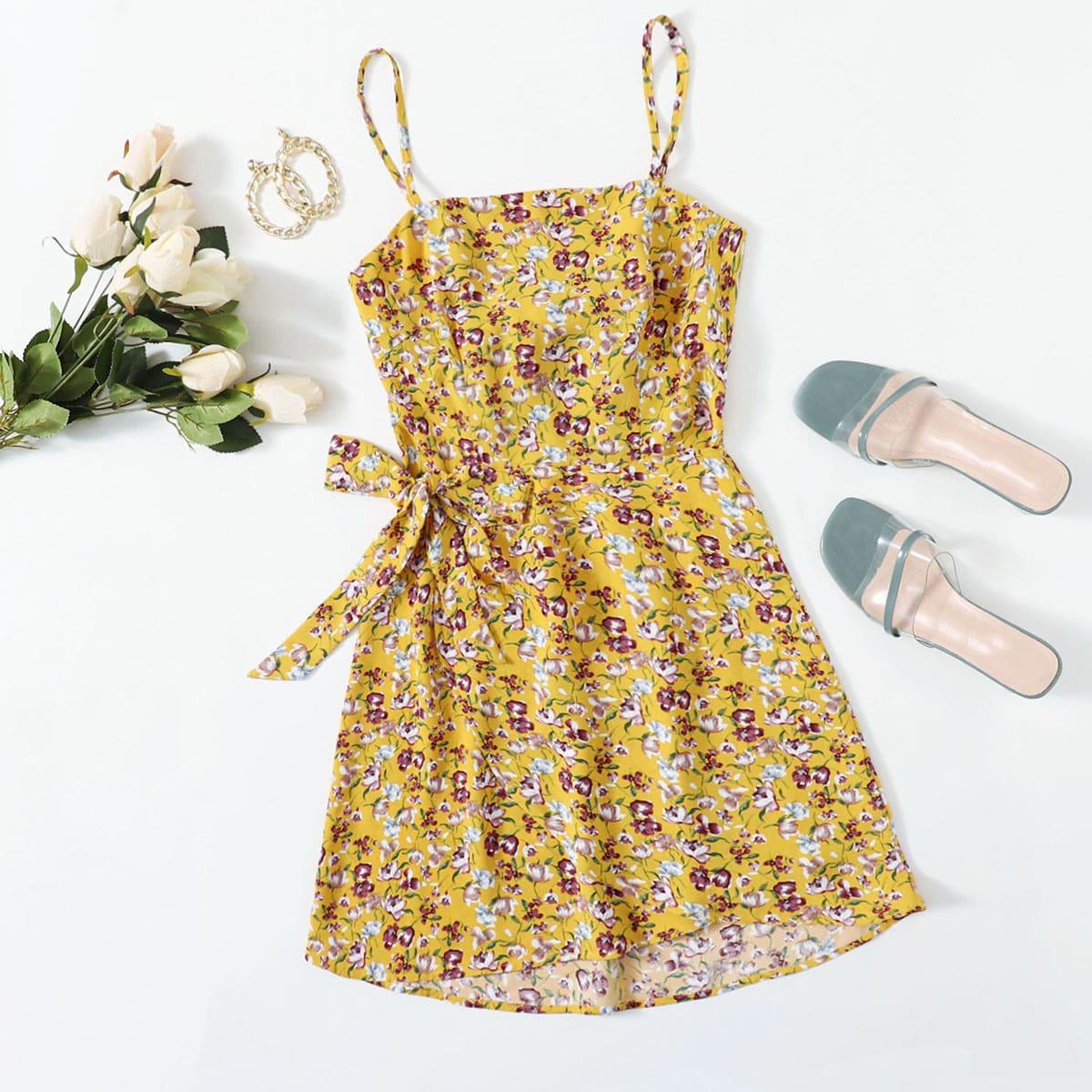 Платье на бретельках с цветочным принтом и открытой спиной