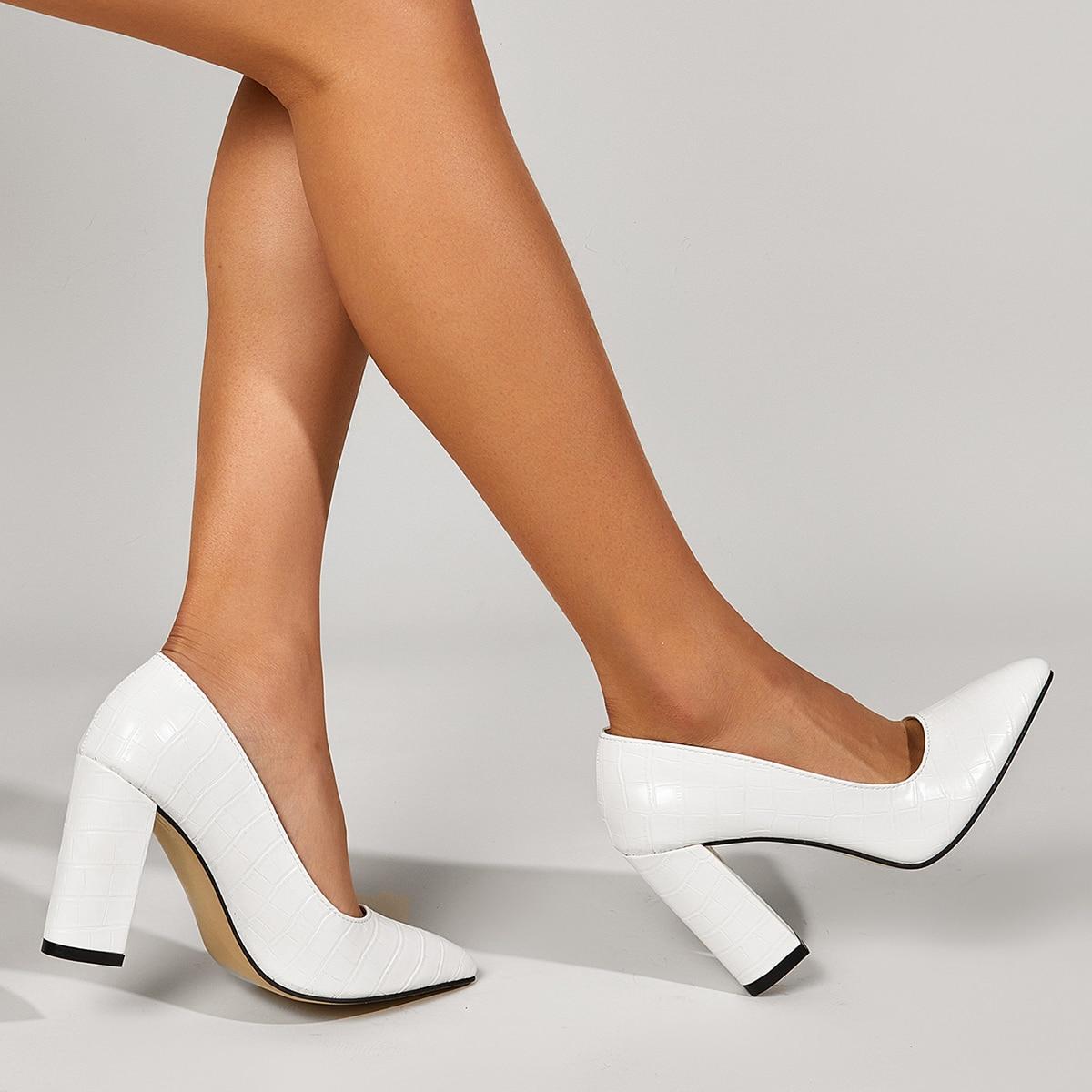 Туфли-лодочки на массивном каблуке с крокодиловым узором
