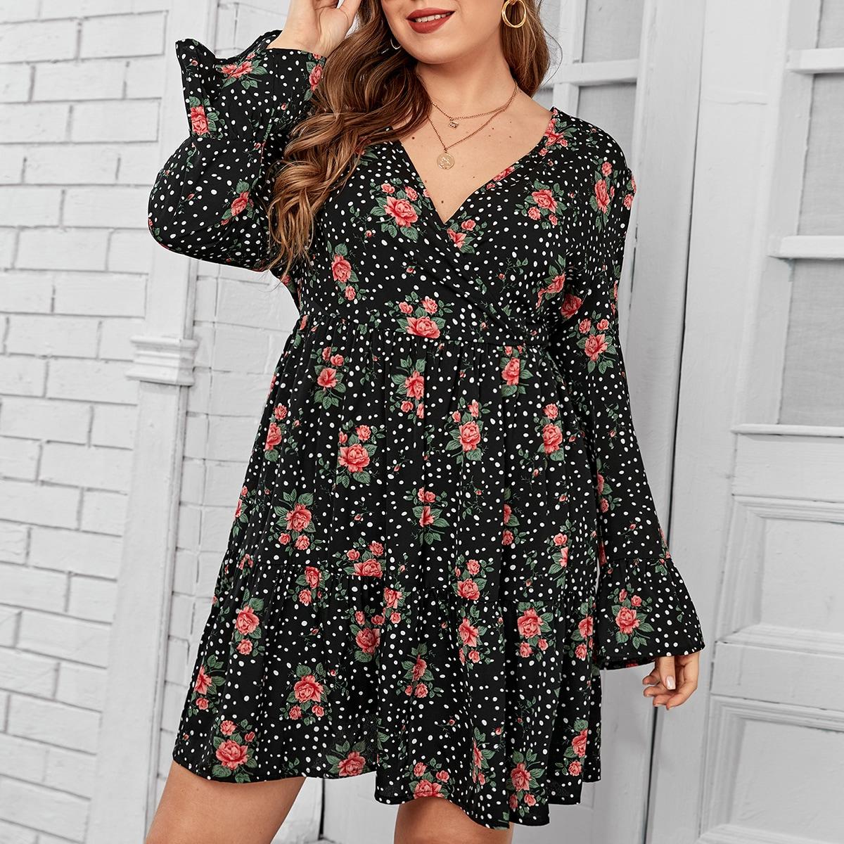 Платье размера плюс в горошек с цветочным принтом