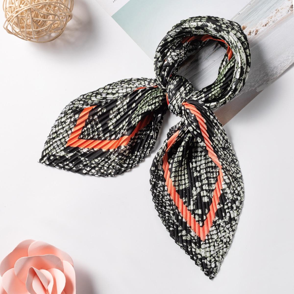shein Geplooide bandana met slangenprint