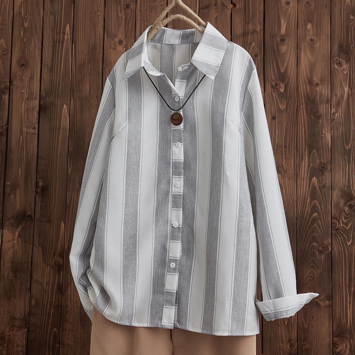Блузка в полоску без ожерелья