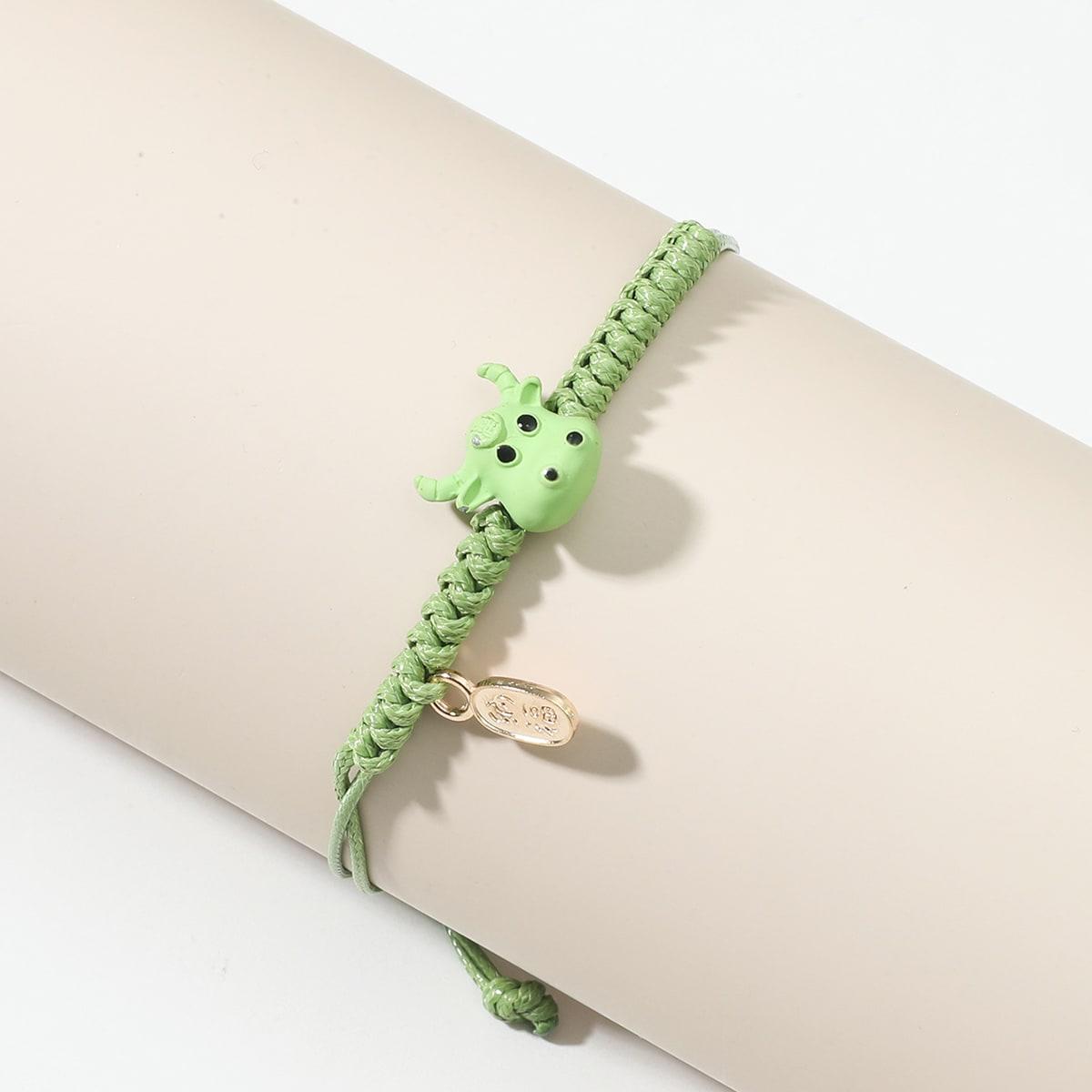 Плетеный браслет с декором животных