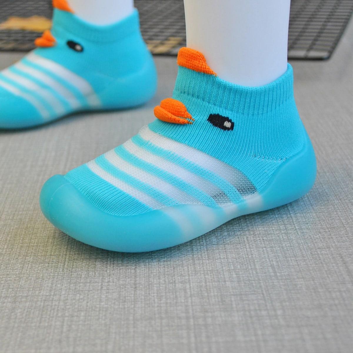 Мультипликационные вязаные кроссовки для девочек от SHEIN