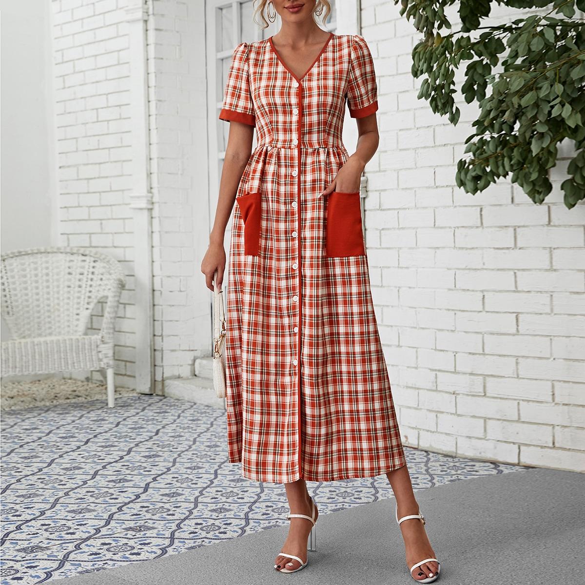 Платье в клетку с карманами и пуговицами