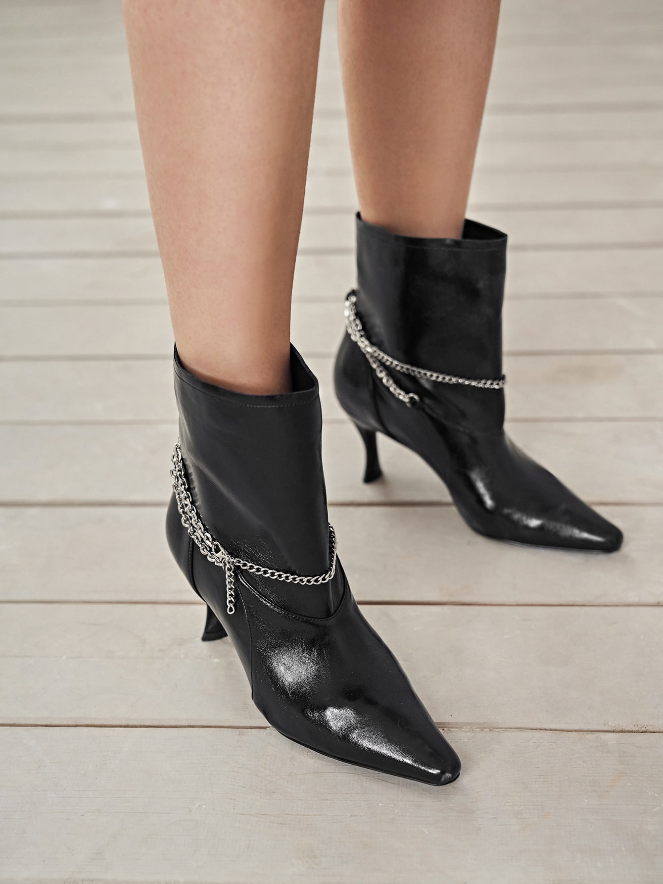 Chain Decor Point Toe Boots