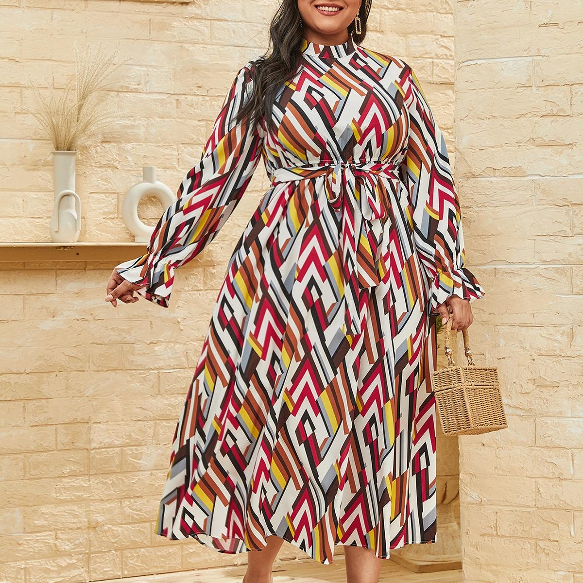 Платье размера плюс с воротником-стойкой и принтом