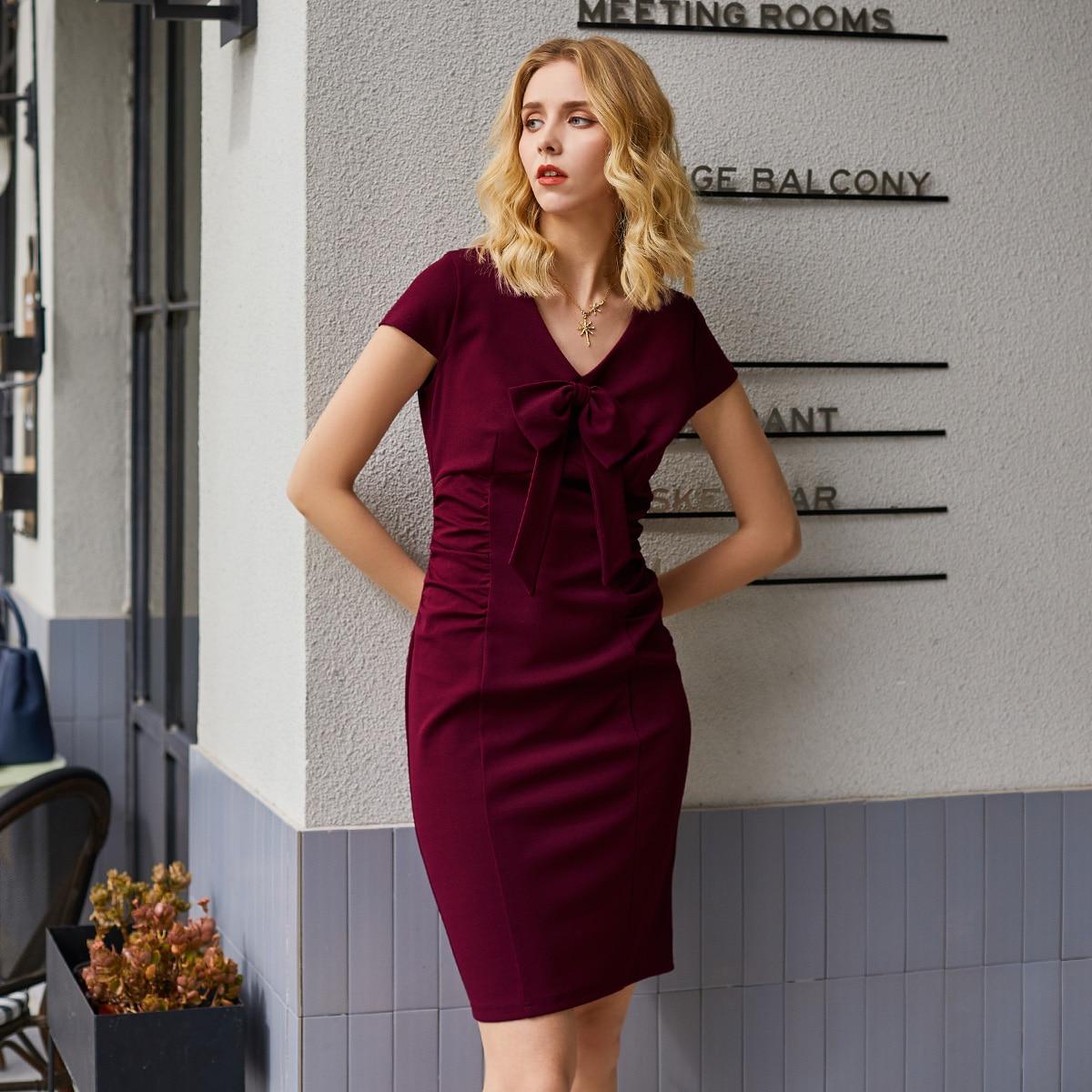 Kleid mit Schleife vorne, Schlitz am Saum und Rüschen