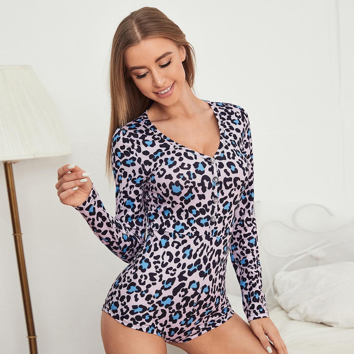 Комбинезон-пижама с принтом и пуговицами