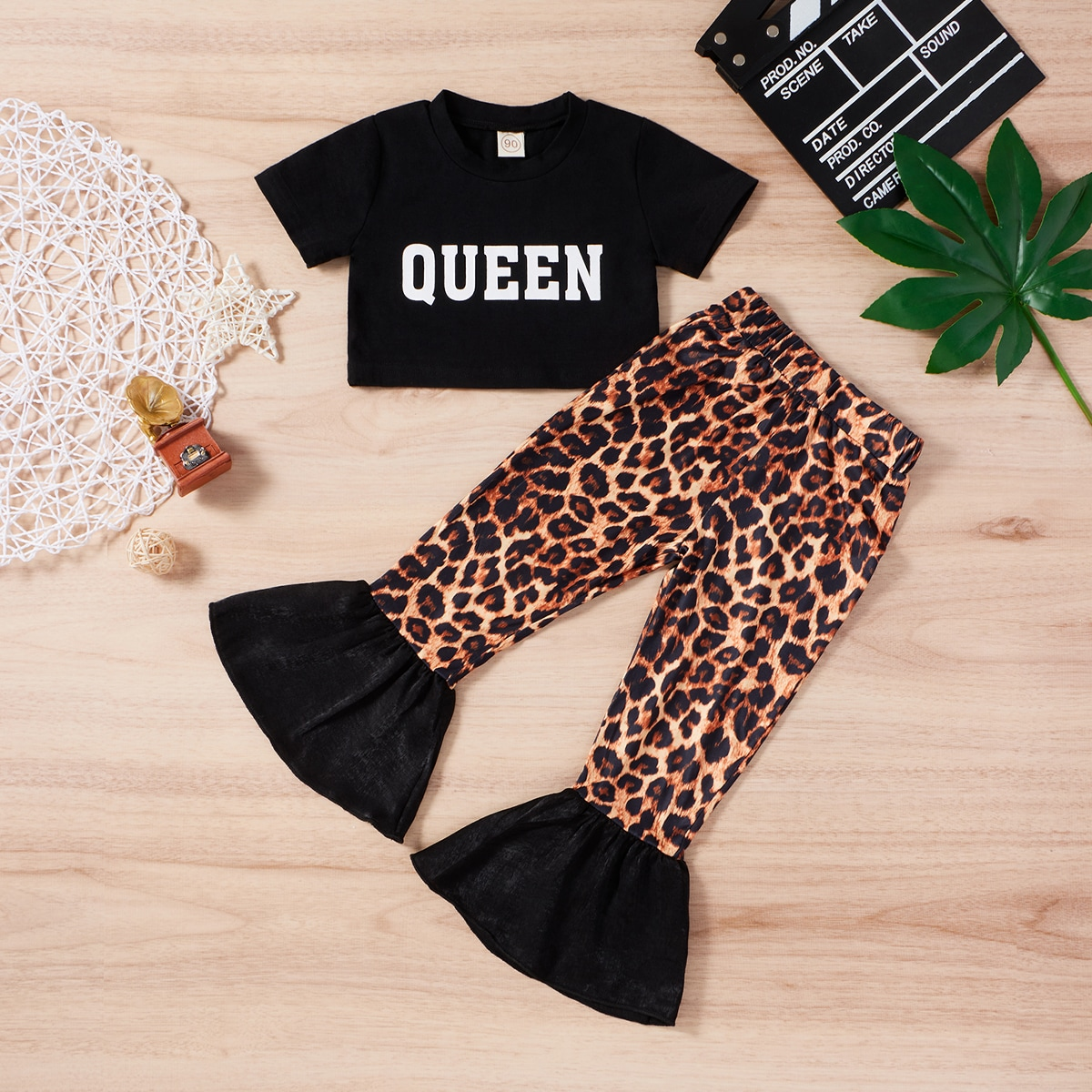 Toddler Girls Letter Graphic Tee With Leopard Flare Leg Pants