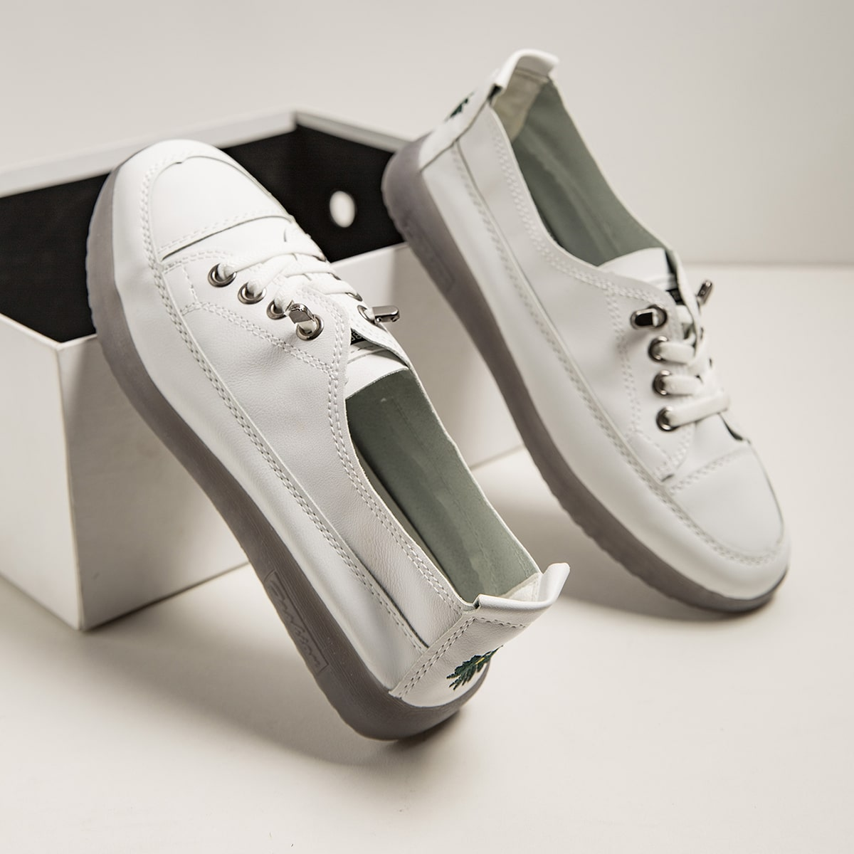 shein Kant Preppy Bloemen Sneaker Borduurwerk