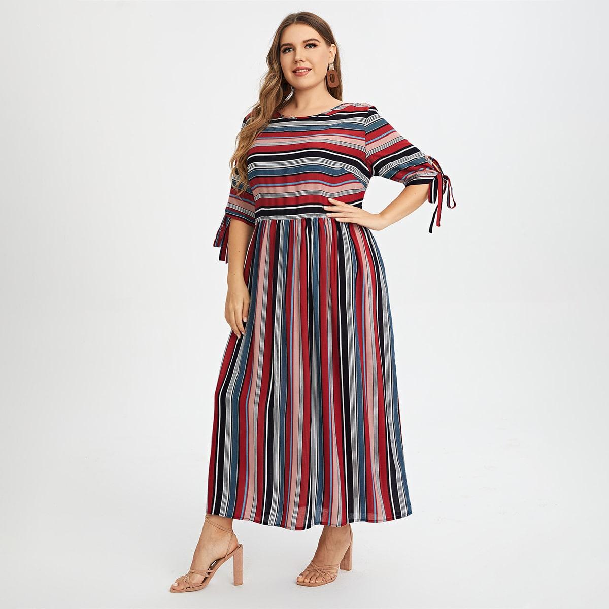 Платье размера плюс в полоску с узлом