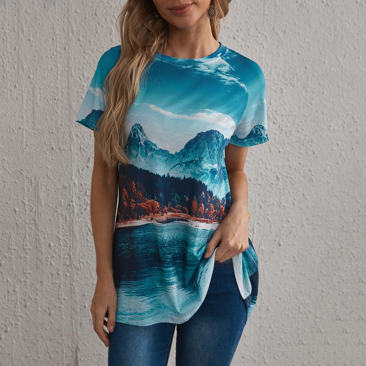 Длинная футболка с оригинальным принтом по цене 690