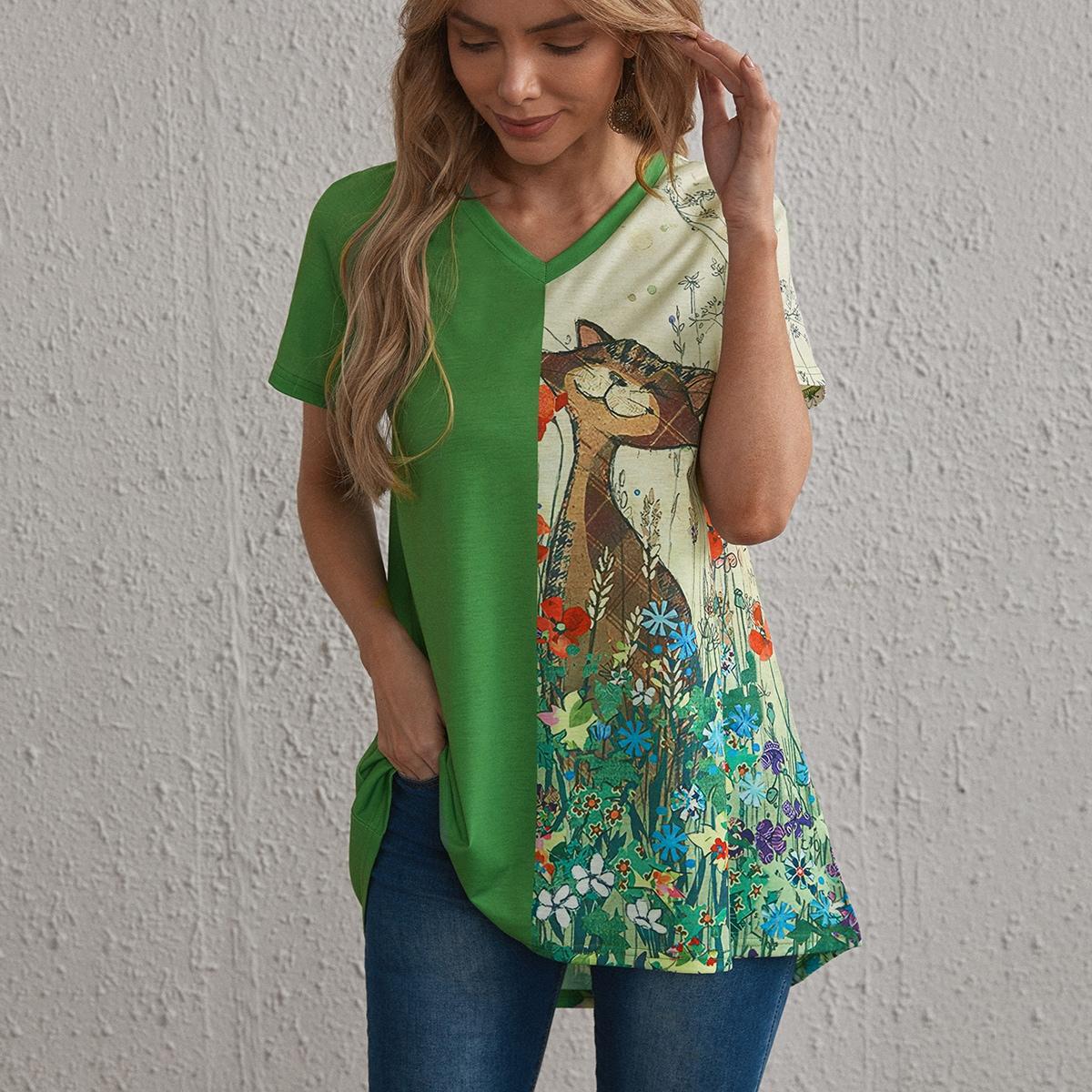 Длинная футболка с мультипликационным и цветочным принтом по цене 690