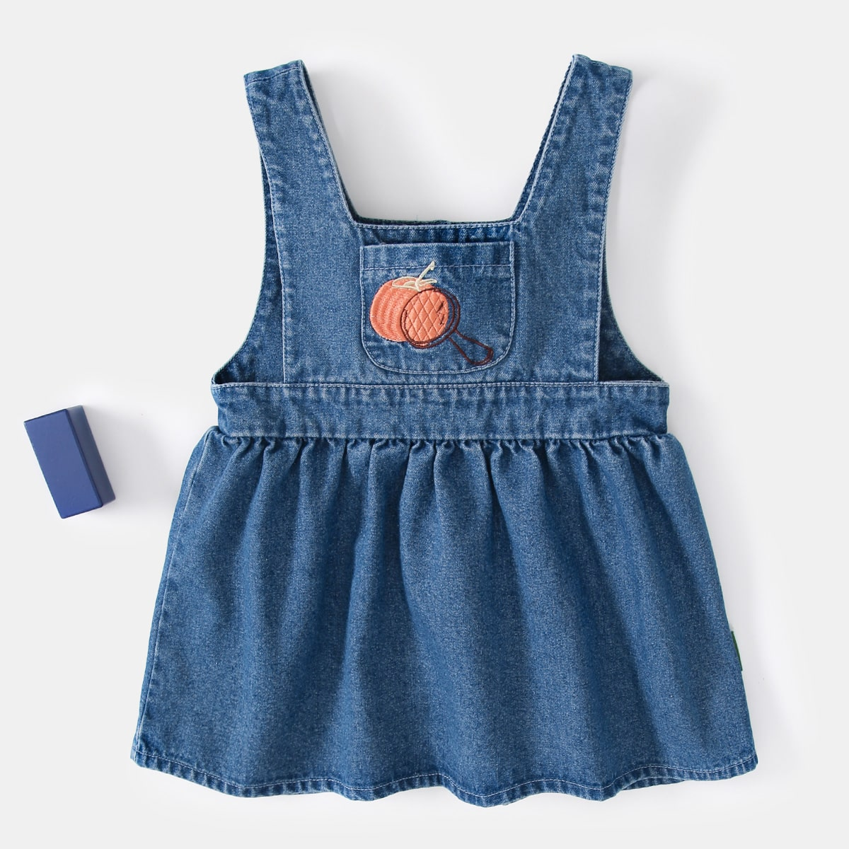 Джинсовое платье с вышивкой для девочек от SHEIN