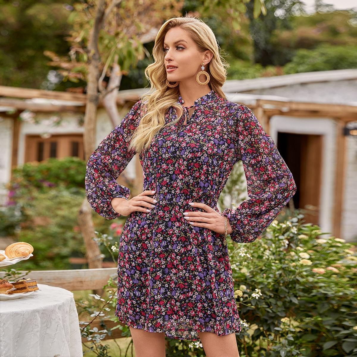 Платье с узлом сзади и цветочным принтом
