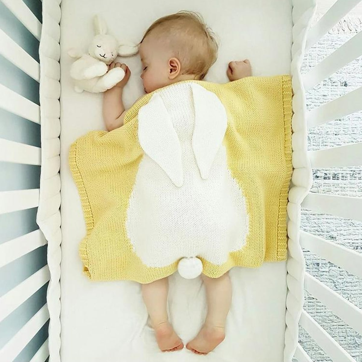 Детское вязаное одеяло с узором кролика