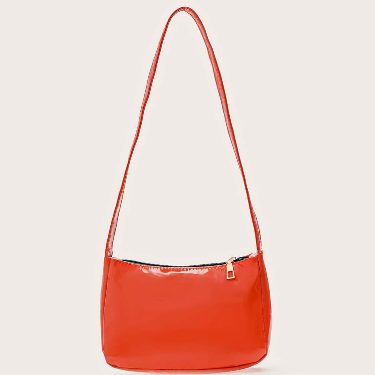 Минималистская сумка на плечо из лакированной кожи
