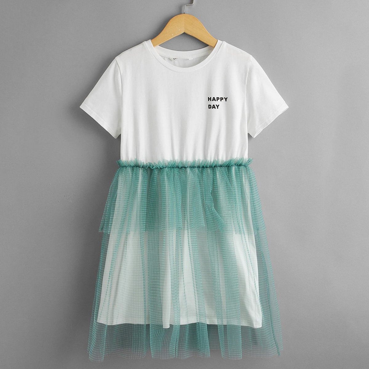 Kleid mit Buchstaben Grafik, Karo Muster und Netzstoff