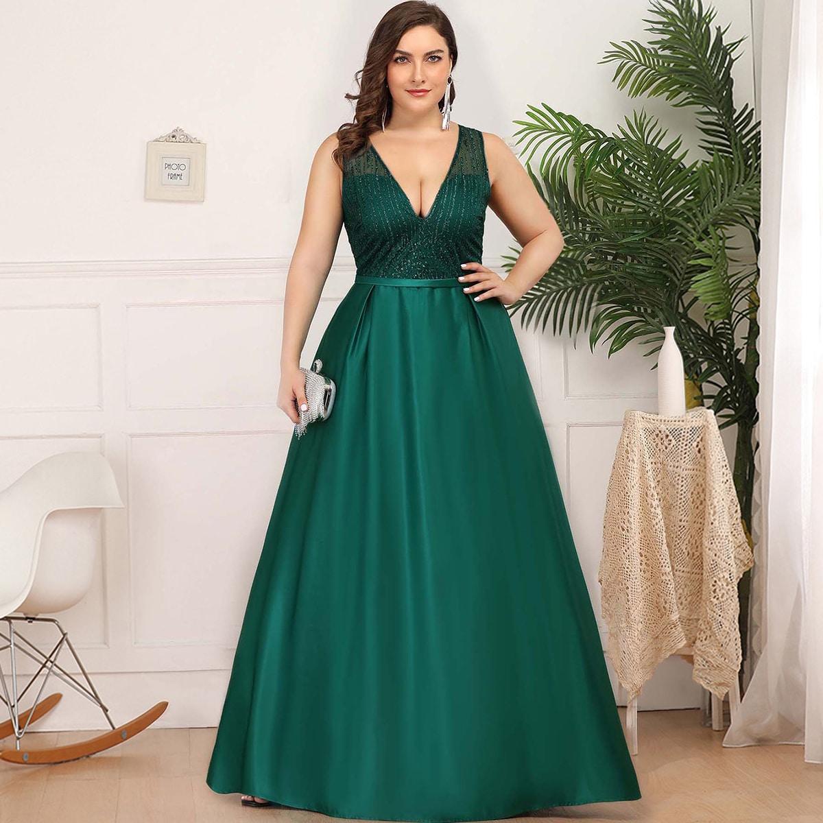 Атласное платье с блестками и v-образным воротником размера плюс