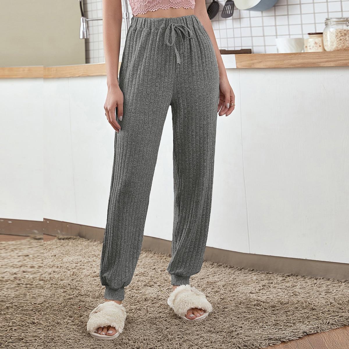 Однотонные домашние брюки в рубчик с узлом